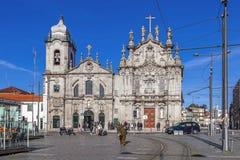 Carmelitas-Kirche auf dem links, der Mannerist und die barocken Arten und die Carmo-Kirche am Recht in der Rokokoart Stockbild