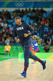 Carmelo Anthony del gruppo Stati Uniti si scalda per la partita di pallacanestro del gruppo A fra il gruppo U.S.A. ed Australia d Immagine Stock