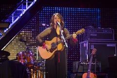 Carmen Consoli, sur l'étape du concert le 1er mai Images stock
