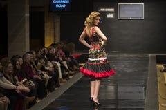 Carmen Rojo présente la collection chez Pasarela Flamenca Jerez 2015 Photos stock