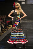 Carmen Rojo stellt Sammlung bei Pasarela Flamenca Jerez 2015 zur Schau Lizenzfreies Stockfoto