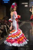 Carmen Rojo stellt Sammlung bei Pasarela Flamenca Jerez 2015 zur Schau Stockfoto