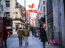 Carnaby街在伦敦为圣诞节装饰了 免版税图库摄影