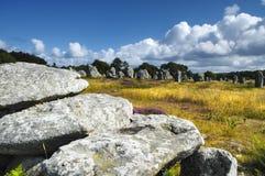 Carnac (Bretagna, Francia): menhir e dolmen Immagini Stock