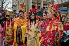 Carnaval chino del Año Nuevo, adolescencias en trajes Imagen de archivo libre de regalías