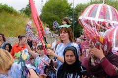 Carnaval da parada do festival dos gigantes em Telford Shropshire fotografia de stock royalty free