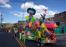 Carnaval de布兰科斯y内格罗斯岛在Chachagui 免版税图库摄影