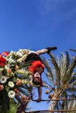 Carnaval de agradável, batalha do ` das flores Um dançarino fotografia de stock royalty free