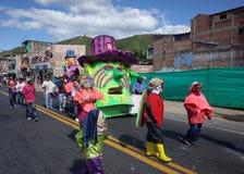 Carnaval de Blancos y Negros i Chachagui Royaltyfria Foton