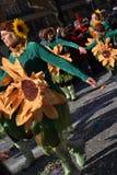 Carnaval - de groep van bloemmeisjes Stock Foto