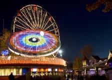 Carnaval de la luz en el parque de atracciones de Linnanmaki Imagenes de archivo