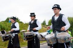 Carnaval du défilé de festival de géants dans Telford Shropshire Image stock