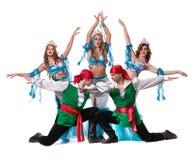 Carnaval-het dansersteam kleedde zich als meerminnen en Stock Foto
