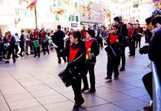 Carnaval-parade in Kroatië, Fiume, Februari 2018 Kleine slagwerkers royalty-vrije stock foto