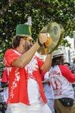 Carnaval populaire brésilien de rue avec la musique de samba Photos libres de droits