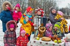 Carnaval russe - festivals de ville les vacances images libres de droits