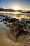 Carne海滩,康沃尔郡-射击到太阳里 免版税库存照片