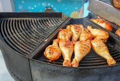 A carne é cozinhada grelhada Assado nos carvões foto de stock royalty free