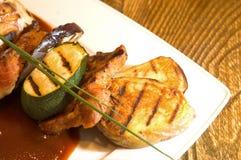 Carne & vegetais recentemente grelhados Foto de Stock