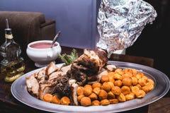 Carne arrostita con le palle della patata Immagine Stock Libera da Diritti