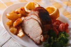 Carne asada de domingo en el primer de la placa horizontal Fotos de archivo libres de regalías
