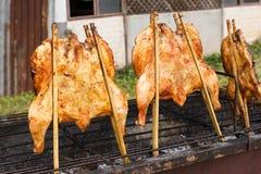 Carne asada del pollo en parrilla Imagen de archivo libre de regalías