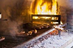 Carne asada a la parrilla en barbacoa Imagen de archivo