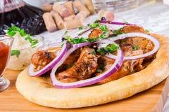 Carne asada a la parrilla en el pan Pita Fotografía de archivo libre de regalías