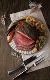 Carne assada com pudins de Yorkshire foto de stock