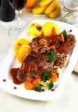 Carne cocida del conejo con las verduras y las bolas de masa hervida de la patata Imagen de archivo