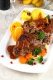 Carne cocida del conejo con las verduras y las bolas de masa hervida de la patata Fotos de archivo
