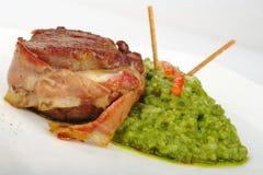 Carne com arroz do espinafre fotografia de stock