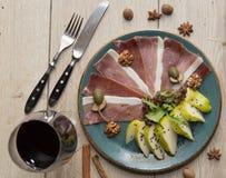 Carne com pera Imagem de Stock Royalty Free