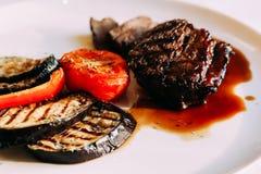Carne com vegetais Imagens de Stock Royalty Free