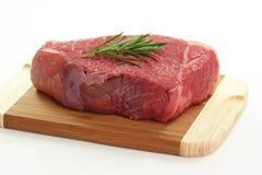 Carne con las hierbas fotos de archivo