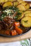 Carne con le patate al forno Fotografia Stock