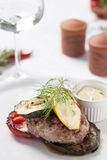 Carne con le verdure arrostite Fotografie Stock Libere da Diritti