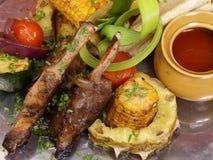 Carne con maíz y salsa Imagen de archivo libre de regalías