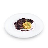 Carne cortada asada deliciosa de la pechuga de pato debajo de la salsa de vino Imagen de archivo