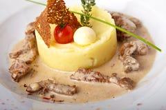 Carne cozida com batatas trituradas Fotografia de Stock Royalty Free