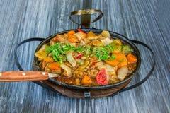 Carne cozido com vegetais Imagem de Stock Royalty Free