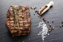 Carne cozinhada do mármore do bife imagem de stock