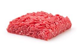 A carne crua fresca triturou a carne isolada no branco imagens de stock