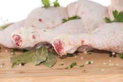 Carne cruda del pollo (en blanco) Foto de archivo libre de regalías