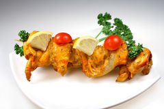 Carne da grade da galinha com vegetais Fotografia de Stock Royalty Free