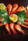 Carne de caranguejo com camarão, ervas e aneto Fotografia de Stock