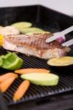Carne de cerdo asada a la parrilla con las verduras Fotos de archivo