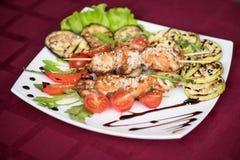 Carne de cerdo asada a la parrilla del kebab fotografía de archivo libre de regalías