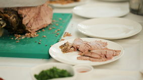Carne de Cutting Baked Lamb del cocinero almacen de video