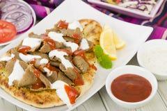 Carne de Donner em Naan imagens de stock royalty free